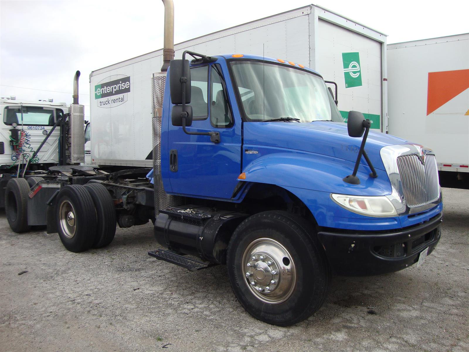 2011 International DuraStar 4400 4x2, Cab Chassis #U8206 - photo 1