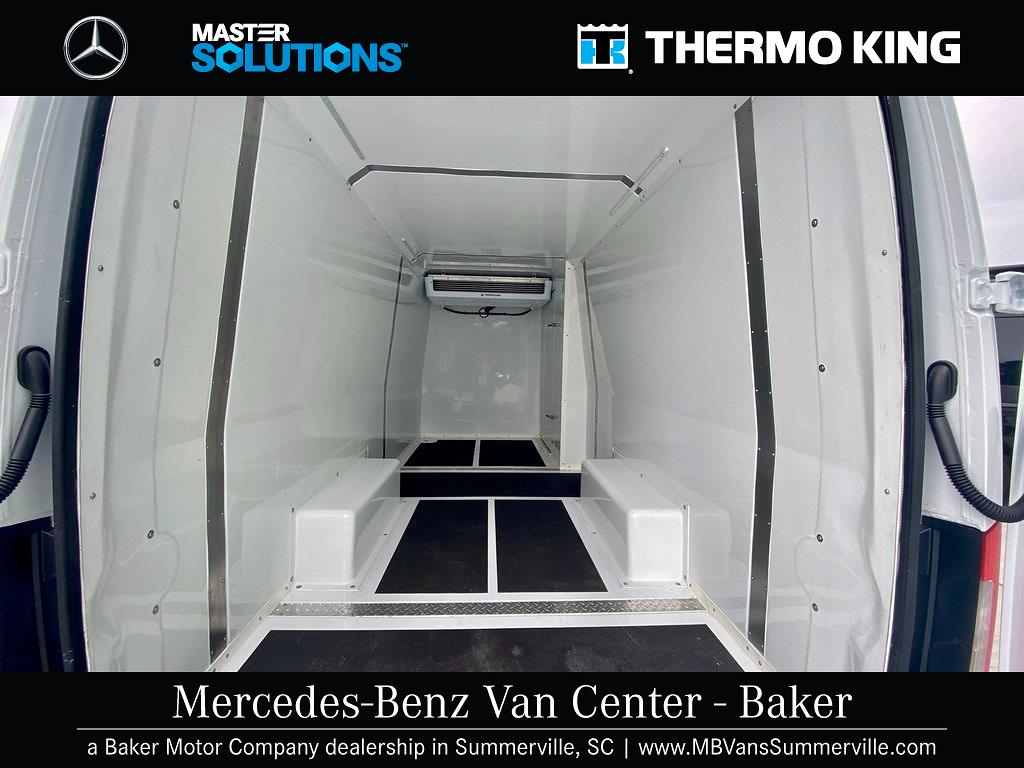 2020 Mercedes-Benz Sprinter 2500 4x2, Thermo King Direct-Drive Refrigerated Body #MV0027 - photo 2