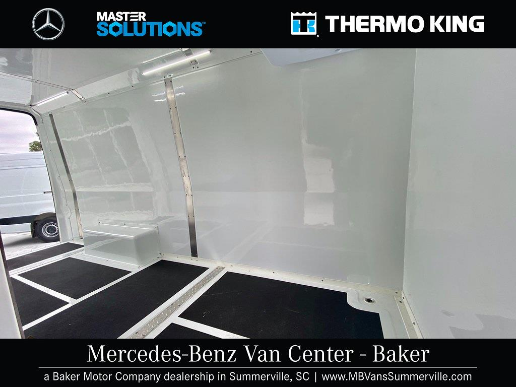 2020 Mercedes-Benz Sprinter 2500 4x2, Thermo King Direct-Drive Refrigerated Body #MV0027 - photo 6