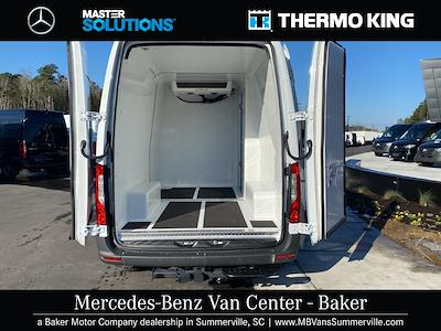 2020 Mercedes-Benz Sprinter 2500 4x2, Thermo King Direct-Drive Refrigerated Body #MV0043 - photo 2