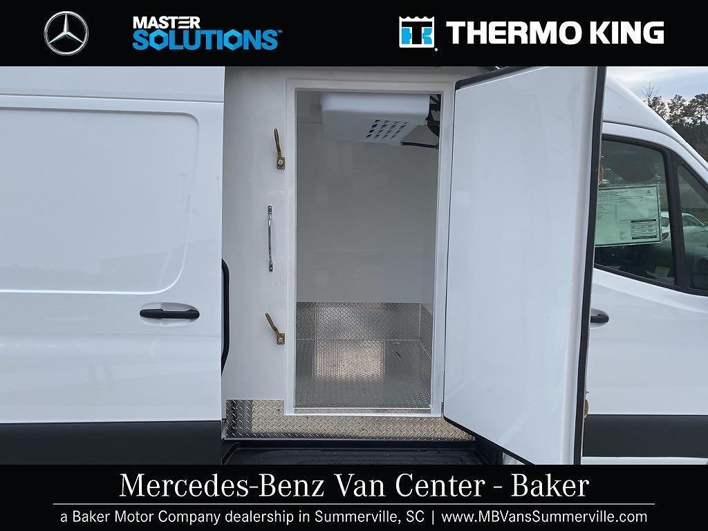 2020 Mercedes-Benz Sprinter 2500 4x2, Thermo King Refrigerated Body #MV0057 - photo 4