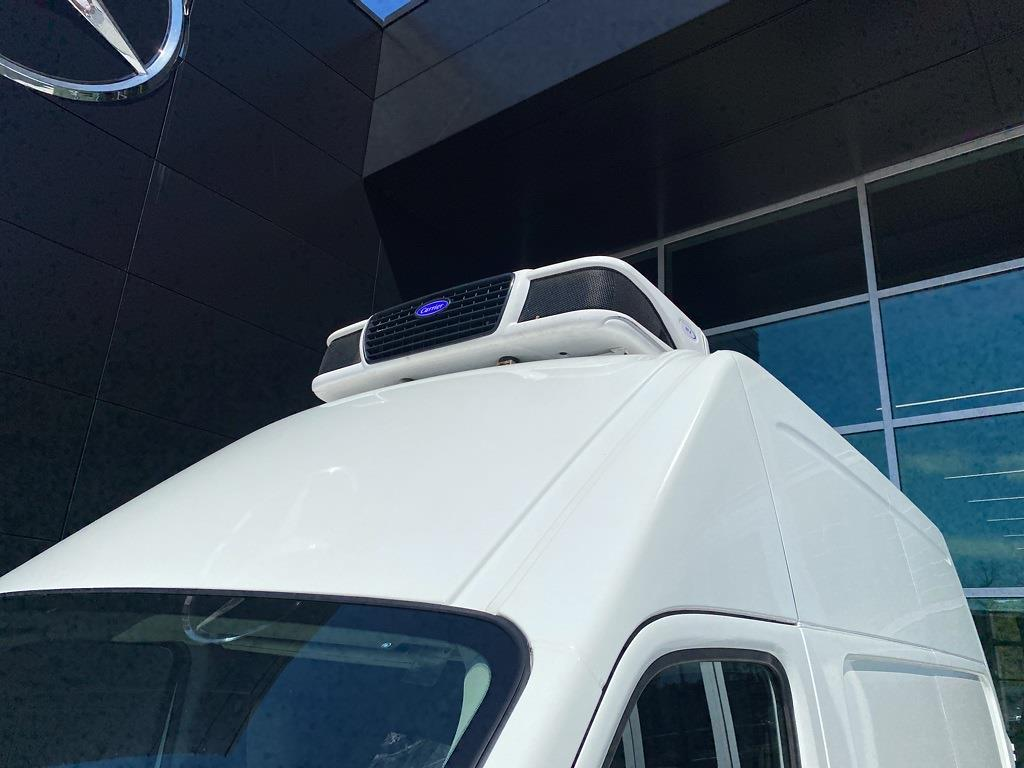2018 Nissan NV2500 High Roof 4x2, Refrigerated Body #MV0064A - photo 22