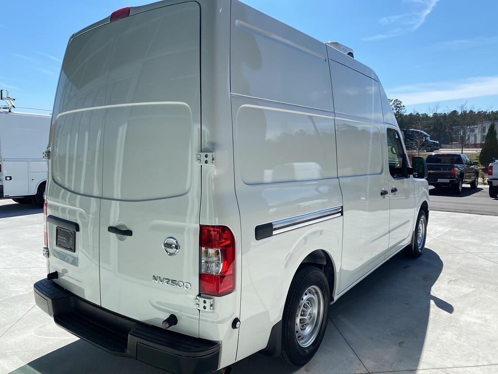 2018 Nissan NV2500 High Roof 4x2, Refrigerated Body #MV0064A - photo 6