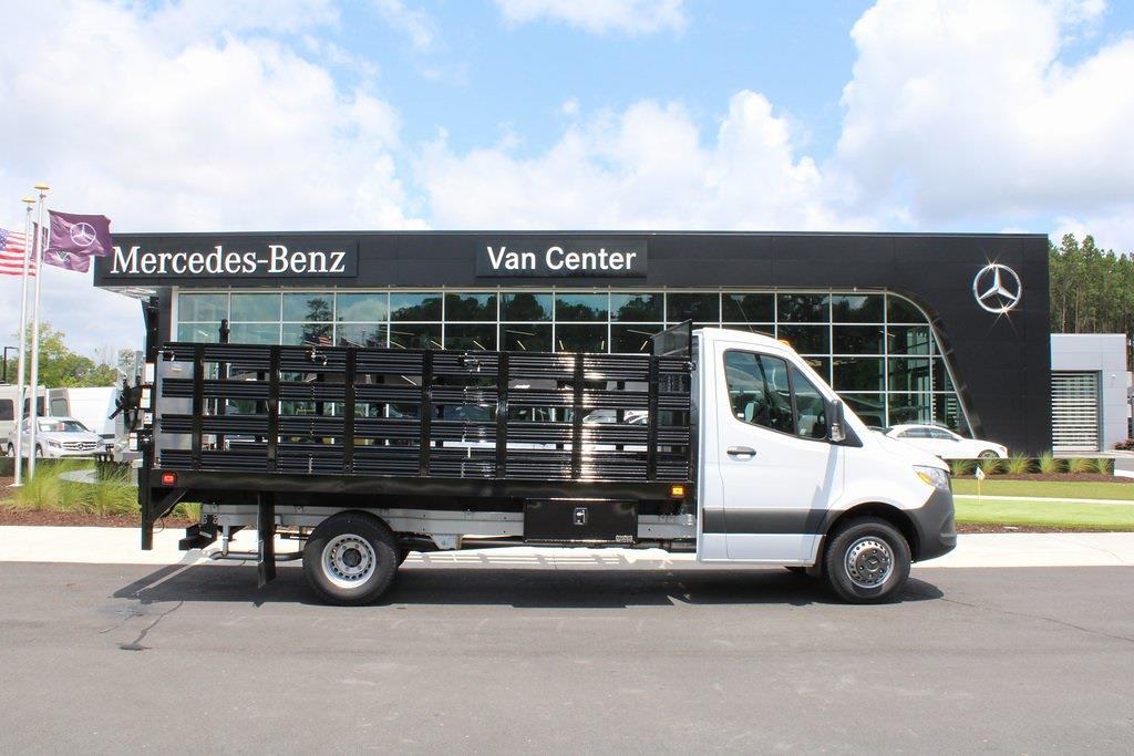 2020 Mercedes-Benz Sprinter 4500 DRW 4x2, Knapheide Value-Master X Stake Bed #MV0123 - photo 4