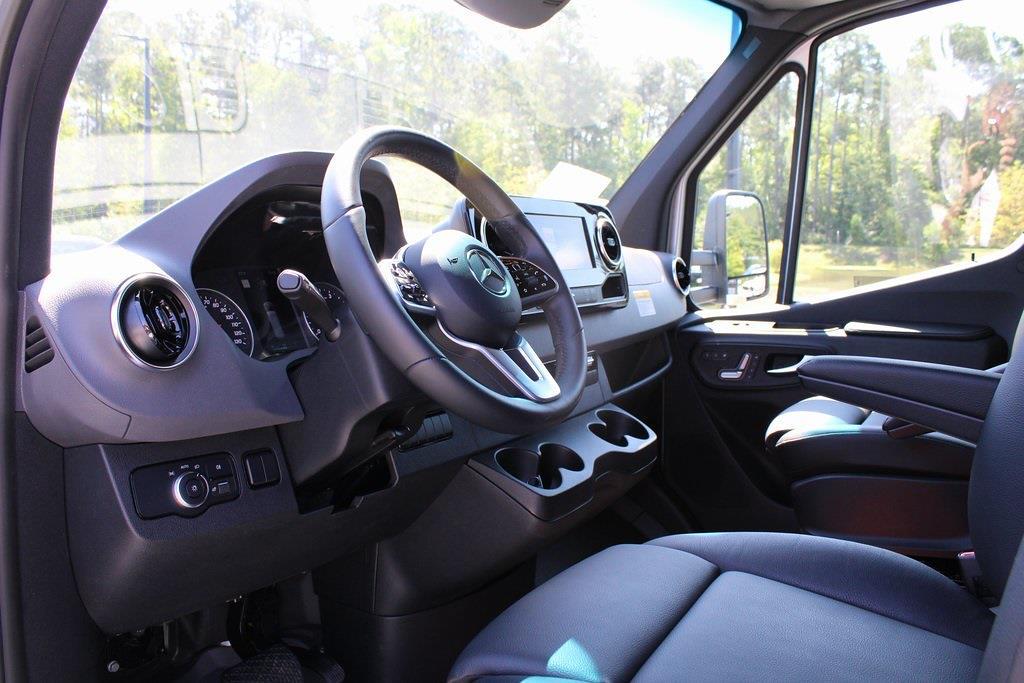 2019 Mercedes-Benz Sprinter 3500XD 4x2, Dovetail Landscape #SP0213 - photo 4