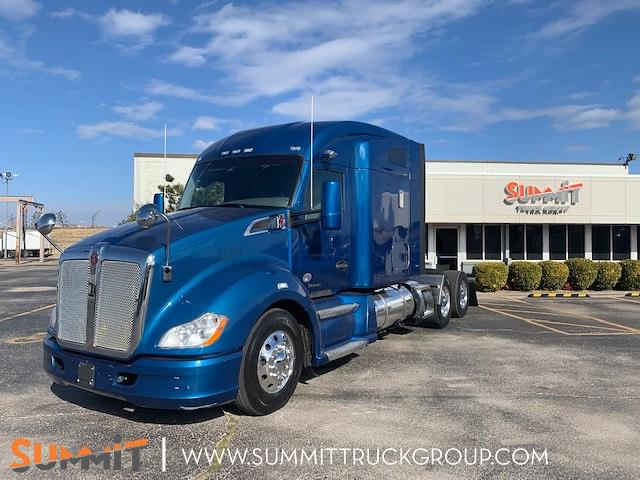 2017 Kenworth T680 Sleeper Cab 6x4, Tractor #405P202470 - photo 1