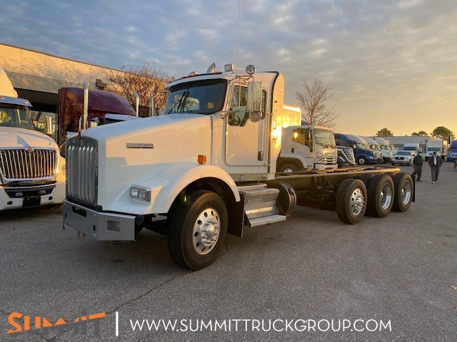 2015 Kenworth T800 Day Cab, Cab Chassis #500P201756 - photo 1