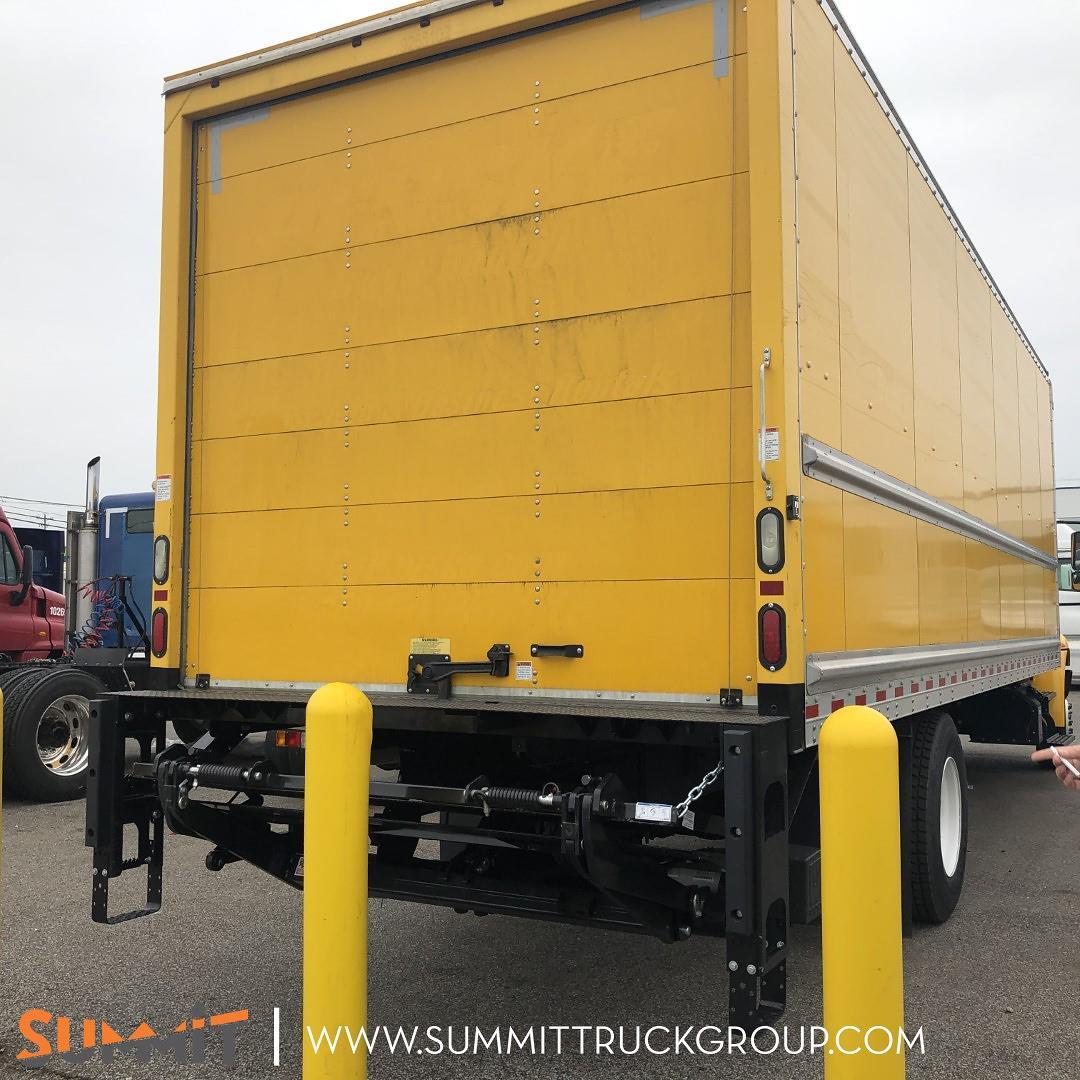 2017 International DuraStar 4300 Regular Cab 4x2, Dry Freight #160P210292 - photo 1
