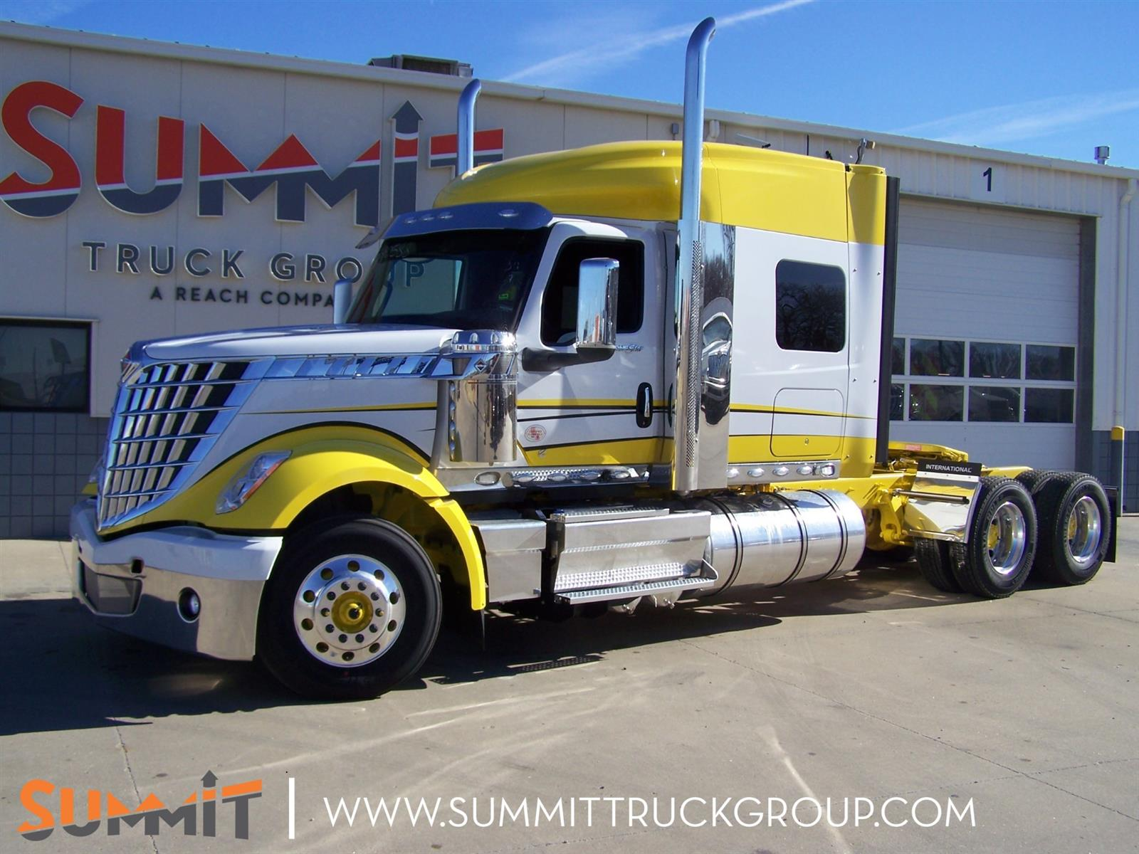 2021 International LoneStar Sleeper Cab 6x4, Tractor #MN590588 - photo 1
