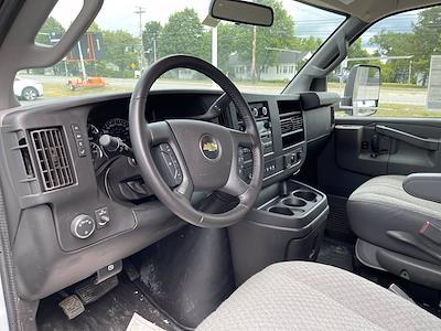 2020 Chevrolet Express 3500 4x2, Supreme Kold King Refrigerated Body #C220342 - photo 10