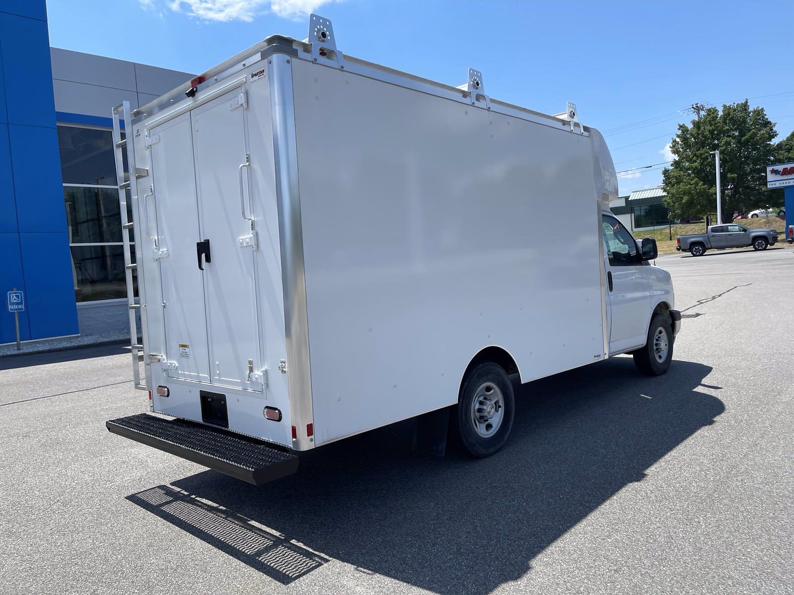 2020 Chevrolet Express 3500 4x2, Supreme Cutaway Van #C220903 - photo 1