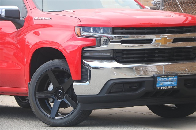 2020 Chevrolet Silverado 1500 Crew Cab 4x2, Pickup #C1288 - photo 3