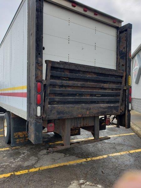 1995 International Truck 4x2, Dry Freight #5890OH - photo 1
