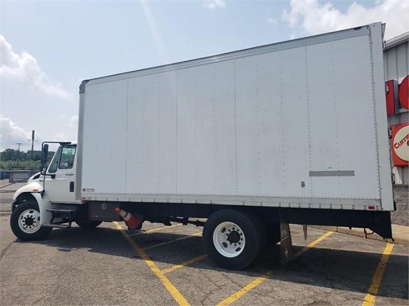 2013 International DuraStar 4300 4x2, Dry Freight #5939OH - photo 1