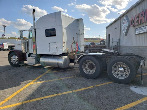 2005 Peterbilt Truck 6x4, Tractor #C-1432OH - photo 1