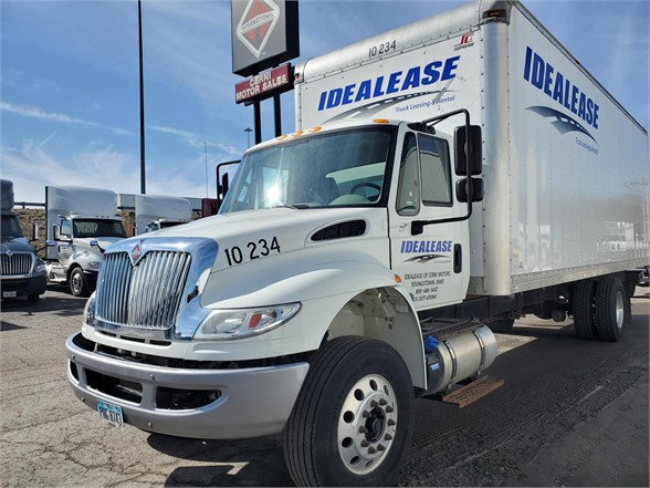 2017 International DuraStar 4300 4x2, Dry Freight #L10-234 - photo 1