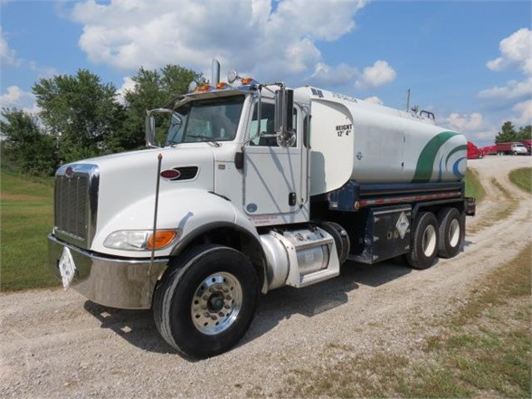 2013 Peterbilt 348 6x4, Water Truck #7123in - photo 1