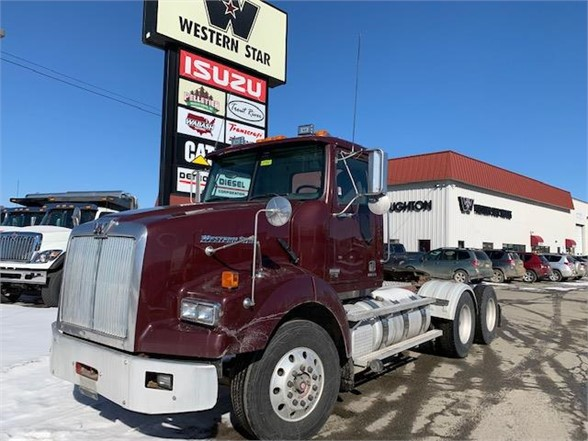 2013 Western Star 4900 6x4, Tractor #104003 - photo 1