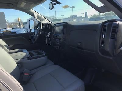 2020 Chevrolet Silverado 5500 Crew Cab DRW 4x4, Dump Body #Q200635 - photo 23