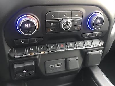 2021 Chevrolet Silverado 1500 Crew Cab 4x4, Pickup #Q210132 - photo 17