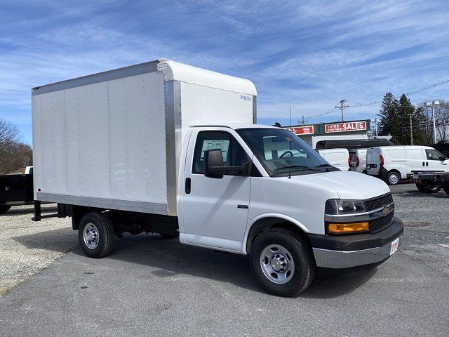 2021 Chevrolet Express 3500 4x2, Dejana DuraCube Cutaway Van #Q210260 - photo 7