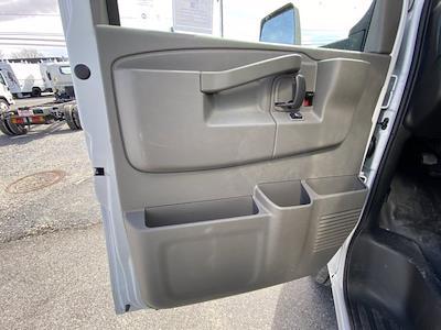 2021 Chevrolet Express 3500 4x2, Dejana DuraCube Cutaway Van #Q210260 - photo 12