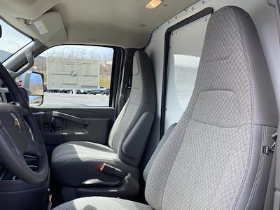 2021 Chevrolet Express 3500 4x2, Dejana DuraCube Cutaway Van #Q210260 - photo 15