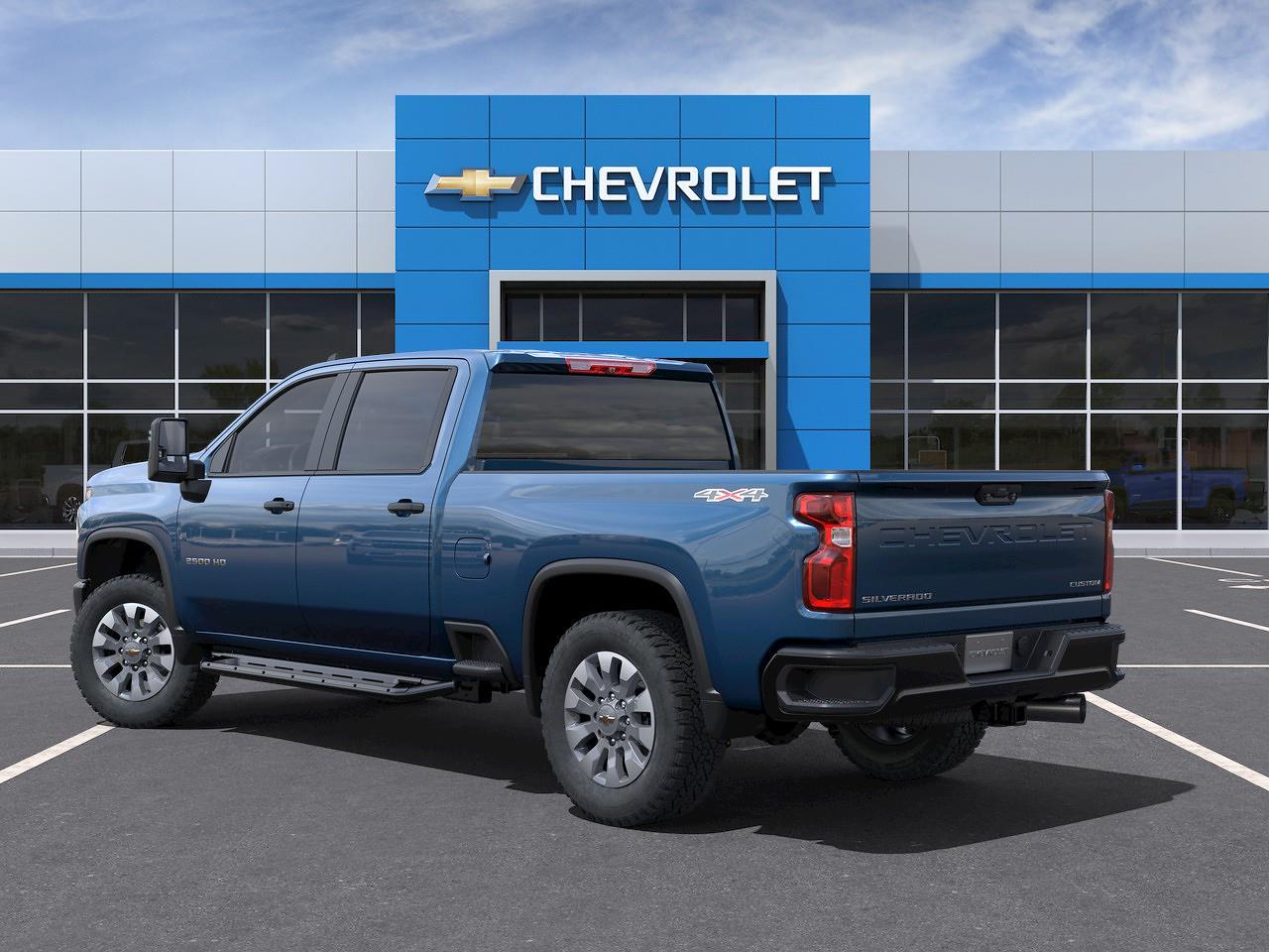 2021 Chevrolet Silverado 2500 Crew Cab 4x4, Pickup #Q210471 - photo 4
