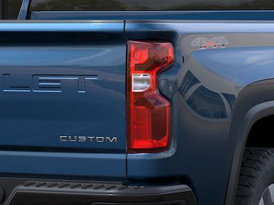 2021 Chevrolet Silverado 2500 Crew Cab 4x4, Pickup #Q210471 - photo 9