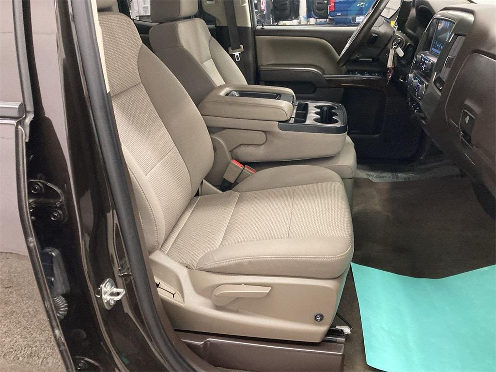 2018 Chevrolet Silverado 1500 Double Cab 4x4, Pickup #W210101A - photo 12