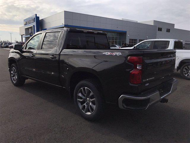 2021 Chevrolet Silverado 1500 Crew Cab 4x4, Pickup #W210307 - photo 4