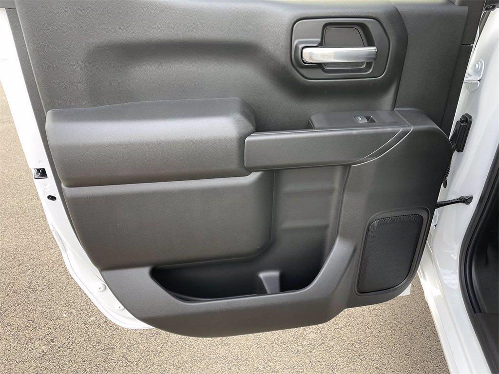 2021 Chevrolet Silverado 1500 Crew Cab 4x4, Pickup #W210313 - photo 11