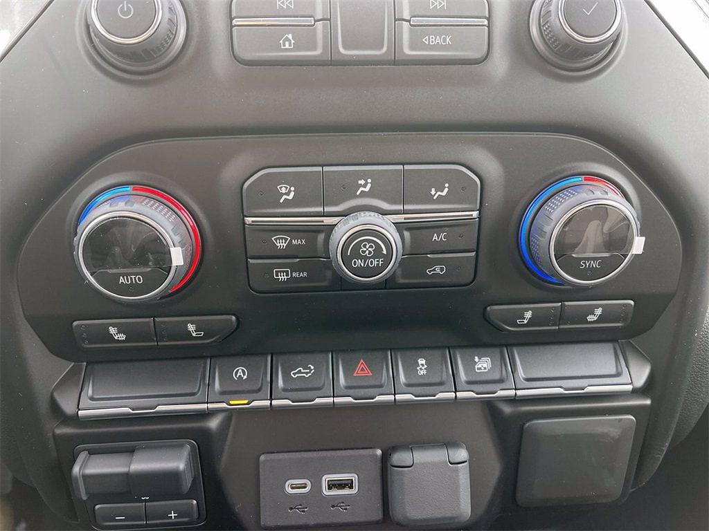 2021 Chevrolet Silverado 1500 Crew Cab 4x4, Pickup #W210313 - photo 20