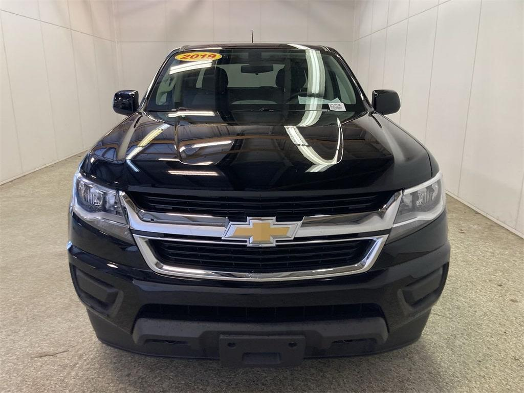 2019 Chevrolet Colorado Crew Cab 4x4, Pickup #W210317A - photo 2