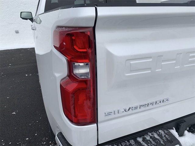 2021 Chevrolet Silverado 1500 Crew Cab 4x4, Pickup #W210362 - photo 8