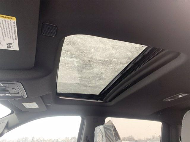 2021 Chevrolet Silverado 1500 Crew Cab 4x4, Pickup #W210362 - photo 16