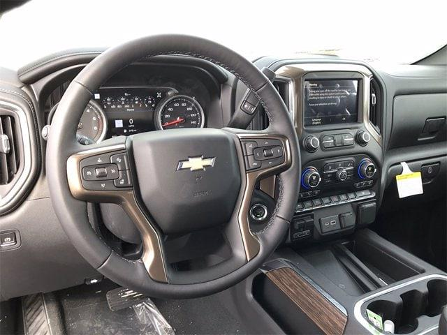 2021 Chevrolet Silverado 1500 Crew Cab 4x4, Pickup #W210363 - photo 17