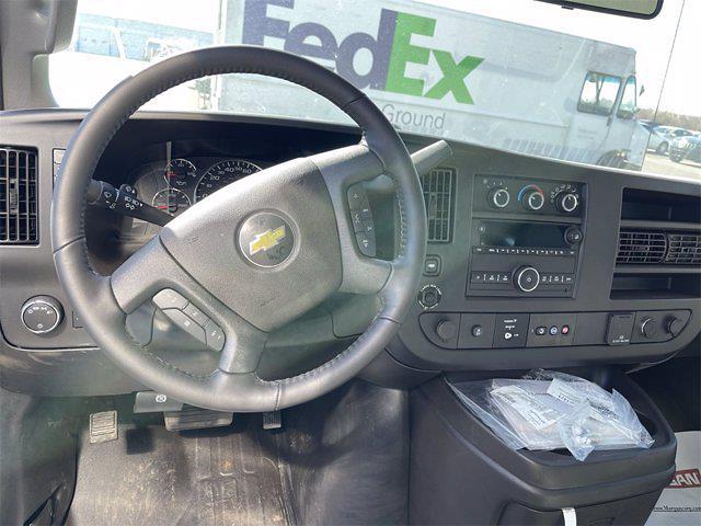 2021 Chevrolet Express 3500 4x2, Morgan Gold Star Dry Freight #W210454 - photo 14