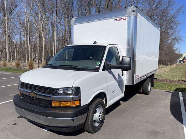 2021 Chevrolet Express 3500 4x2, Morgan Gold Star Dry Freight #W210454 - photo 3