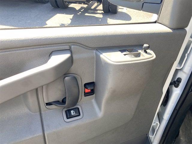 2021 Chevrolet Express 3500 4x2, Morgan Mini-Mover Cutaway Van #W210496 - photo 12