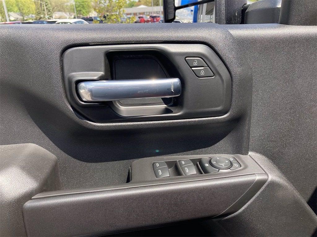 2021 Chevrolet Silverado 2500 Crew Cab 4x4, Pickup #W210548 - photo 15