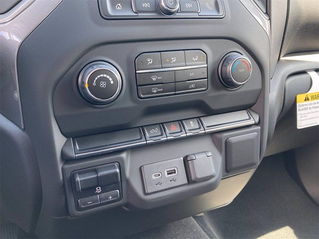 2021 Chevrolet Silverado 2500 Crew Cab 4x4, Pickup #W210548 - photo 20