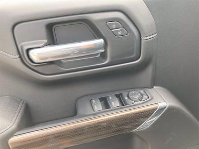 2021 Chevrolet Silverado 1500 4x4, Pickup #W210561 - photo 17