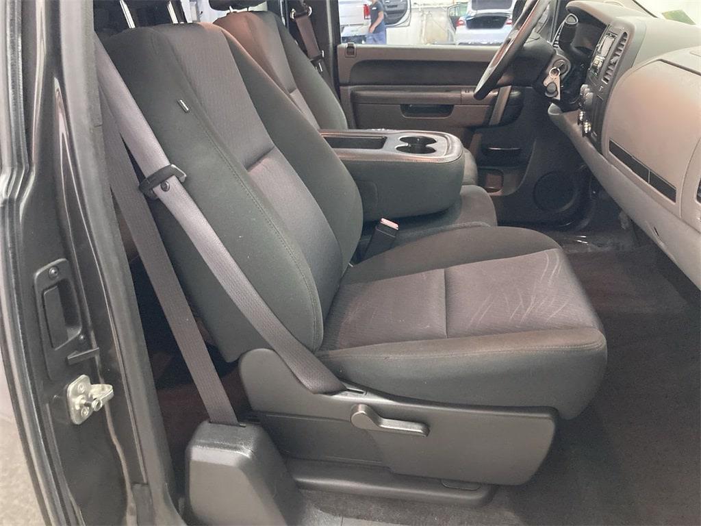 2010 Chevrolet Silverado 1500 Extended Cab 4x2, Pickup #W210582A - photo 12