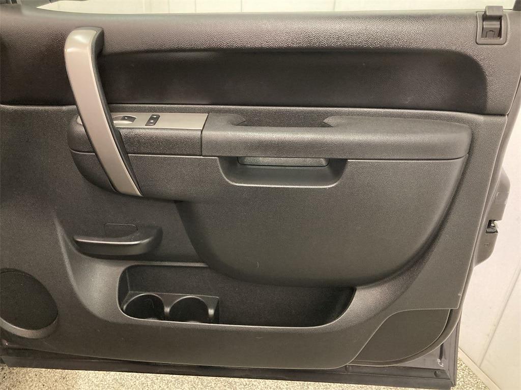 2010 Chevrolet Silverado 1500 Extended Cab 4x2, Pickup #W210582A - photo 13