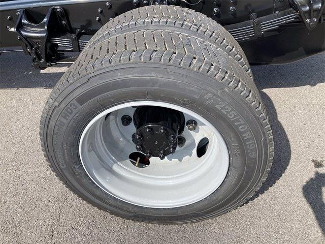 2021 Chevrolet Silverado 5500 Regular Cab DRW 4x2, Cab Chassis #W210603 - photo 9