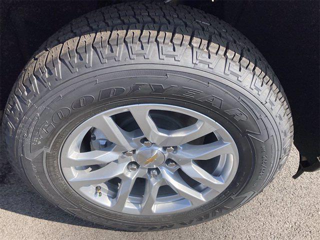 2021 Chevrolet Silverado 1500 4x4, Pickup #W210606 - photo 7