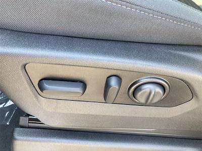 2021 Chevrolet Silverado 1500 4x4, Pickup #W210606 - photo 13