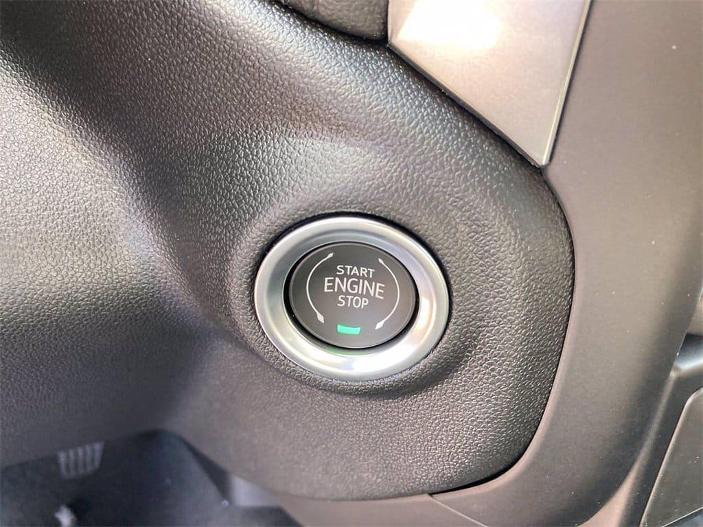 2021 Chevrolet Silverado 1500 4x4, Pickup #W210613 - photo 21