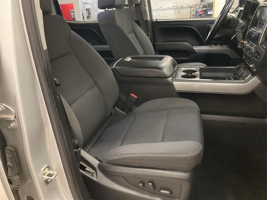 2017 Chevrolet Silverado 1500 Crew Cab 4x4, Pickup #W210621A - photo 11